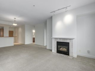 """Photo 1: 301 6198 ASH Street in Vancouver: Oakridge VW Condo for sale in """"THE GROVE"""" (Vancouver West)  : MLS®# R2332430"""