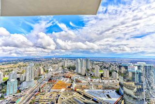 """Photo 16: 5202 4670 ASSEMBLY Way in Burnaby: Metrotown Condo for sale in """"STATION SQUARE"""" (Burnaby South)  : MLS®# R2355560"""