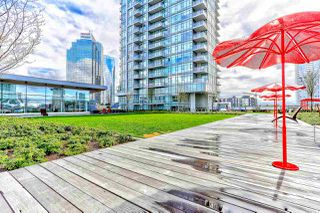 """Photo 17: 5202 4670 ASSEMBLY Way in Burnaby: Metrotown Condo for sale in """"STATION SQUARE"""" (Burnaby South)  : MLS®# R2355560"""