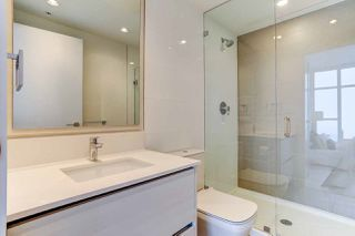 """Photo 13: 5202 4670 ASSEMBLY Way in Burnaby: Metrotown Condo for sale in """"STATION SQUARE"""" (Burnaby South)  : MLS®# R2355560"""