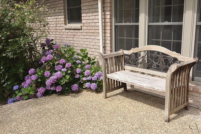 Xeriscaping: Bench with flowers