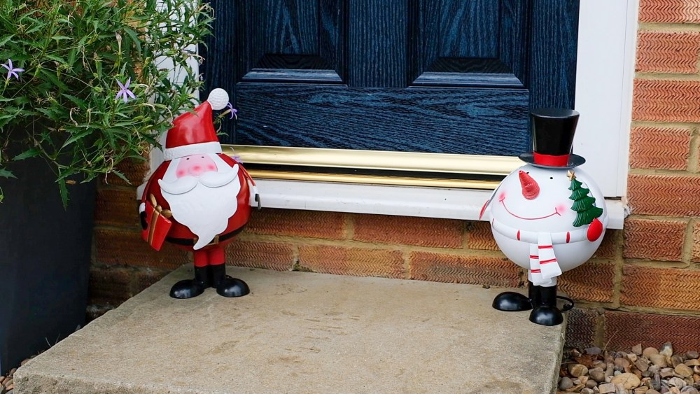 Bobbing Father Christmas and Snowman decor