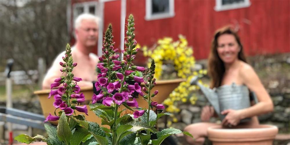 The best of women's World Naked Gardening Day