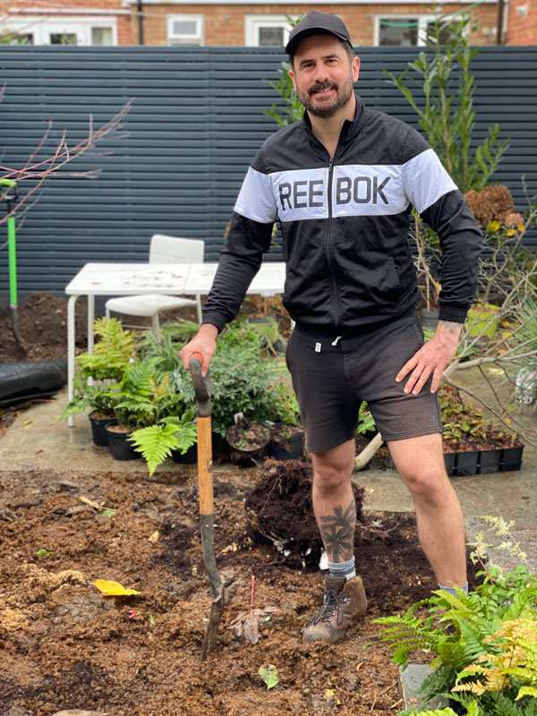 Mr Plant Geek - digging up garden
