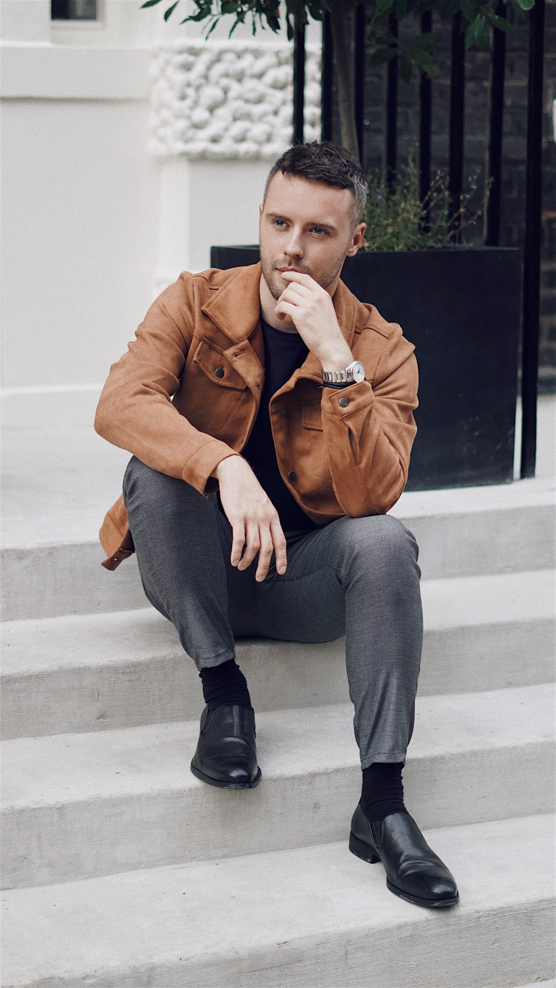 Influencer Community Manager at Takumi. Wearing Suedette Jacket from Another Influence, Basic Trousers With Textured Weave from Zara, Sekel Watch from KRONABY Sweden and Slim Woven Brown Leather And Steel Bracelet from Simon Carter. Snapped by Victoria Abrosino @philorose . Blog by Skirmantas Petraitis.