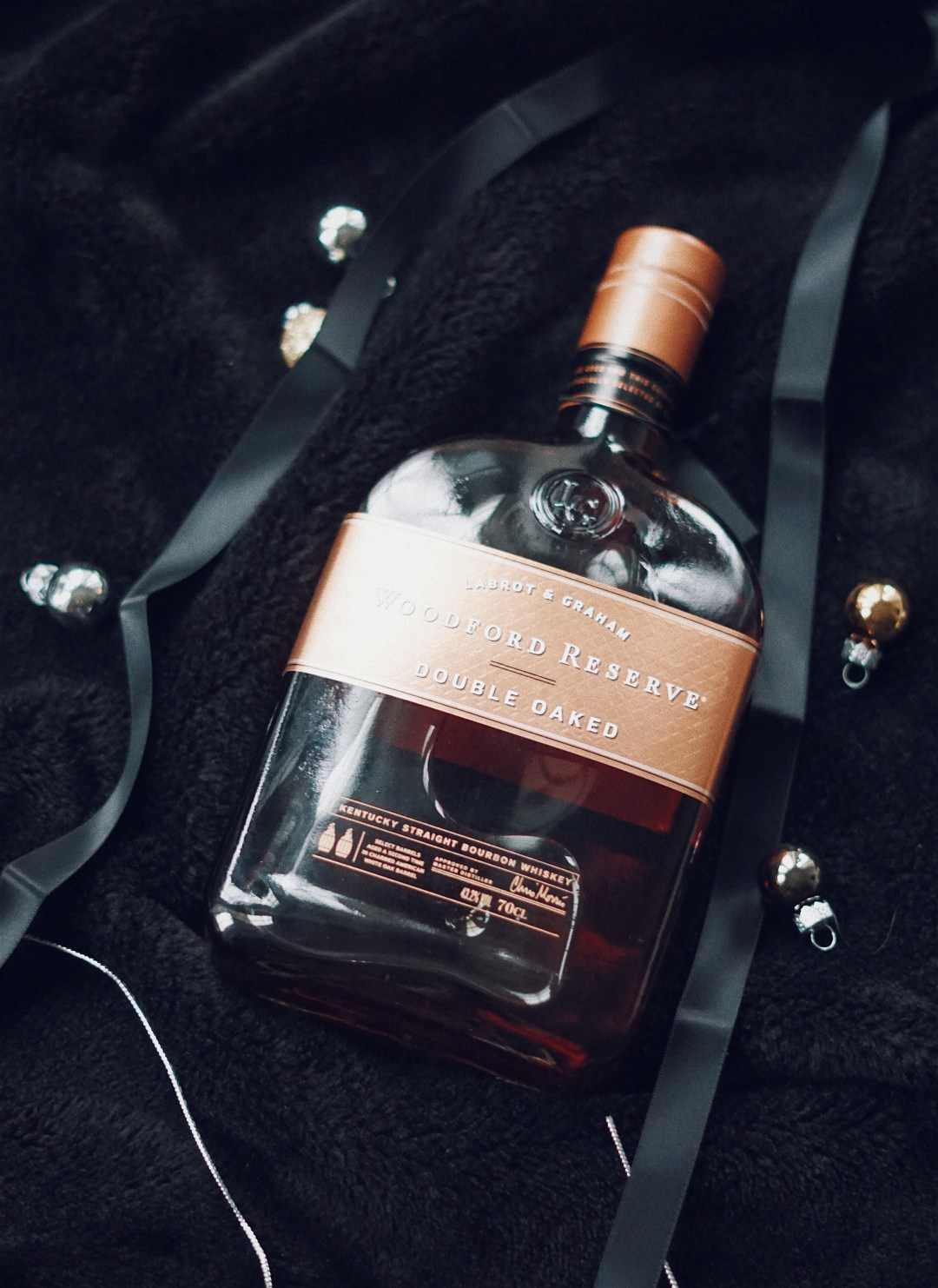 Season's Givings. The Last Minute Christmas Gift Guide featuring Molton Brown, Cornerstone, Case Station, Ted Baker, Woodford Reserve, Appleton Estate and Dr. Levy Switzerland. Blog by Skirmantas Petraitis.