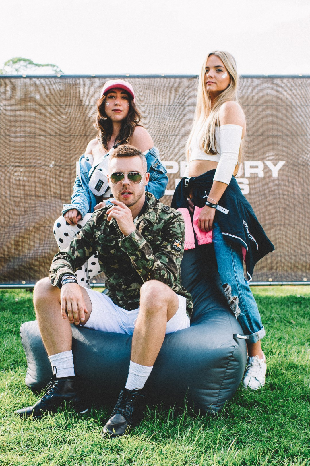 Field Day Festival 2018. SuperDry Sounds backstage featuring Hannah Jane Lewis and Au/Ra. Blog by Skirmantas Petraitis.