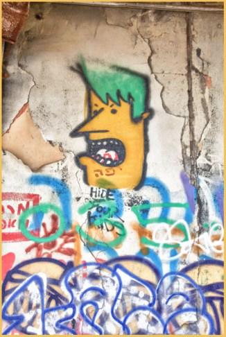 2-dolphinarium graffiti 2