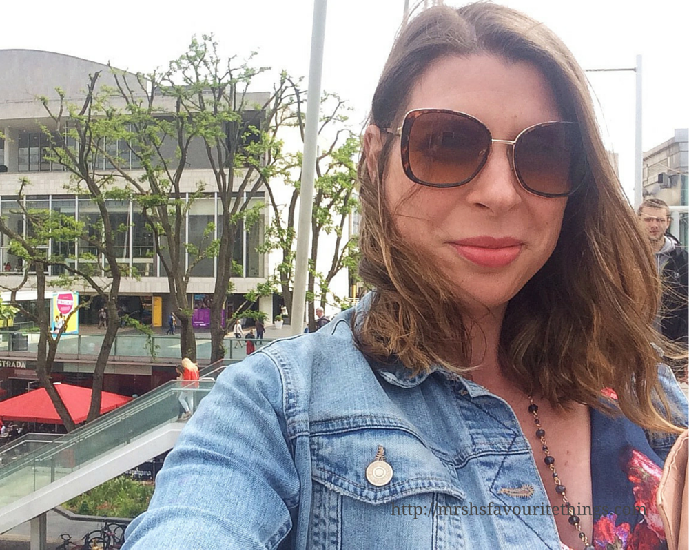 A selfie of a brunette lady, wearing big sunglasses and standing on a bridge by the Southbank in London _ What I wore ... for afternoon tea at the Savoy ... when 32 weeks pregnant _ Mrs H's favourite things
