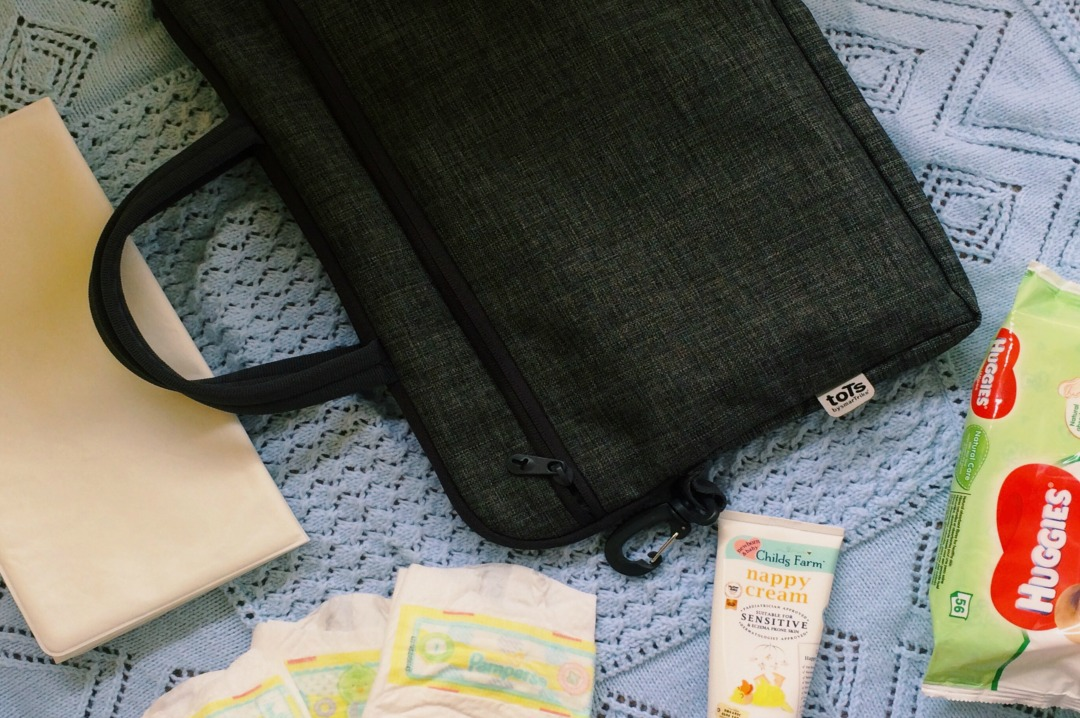 A photograph of the smaller inner bag which comes with the toTs by SmarTrike Dark Grey Melange Voyage Changing Bag - toTs by SmarTrike Dark Grey Melange Voyage Changing Bag _ A review _ Mrs H's favourite things