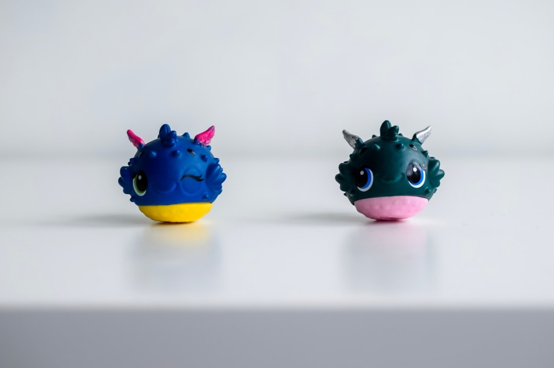 A photograph of two of the puffer fish that you can collect from Season 5 Hatchimals CollEGGtibles Mermal Magic - Hatchimals CollEGGtibles Mermal Magic Season 5 Review - Mrs H's favourite things
