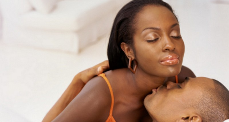 MH RELATIONSHIPS&SEX: 5 WAYS TO TURN HER ON
