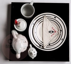 Breakfast Tray with Cats €55,-