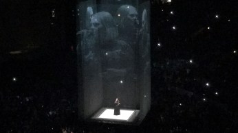 Adele singing Chasing Pavements in Chicago.