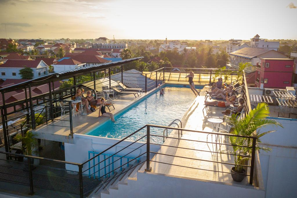 Onederz Siem Reap 游泳池