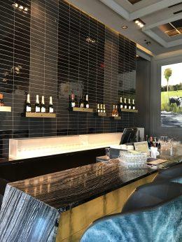 The River Bar: Champagne and Caviar Bar