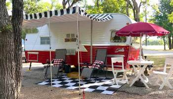 Happy Camper: Camping Journal and RV Logbook