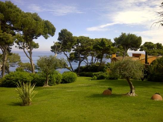 Image of garden overlooking Med