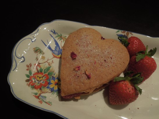 Image of shortbreads filled with cream and strawberries