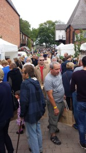 Image of crowds at the 2014 Aldeburgh Food and Drink Festival