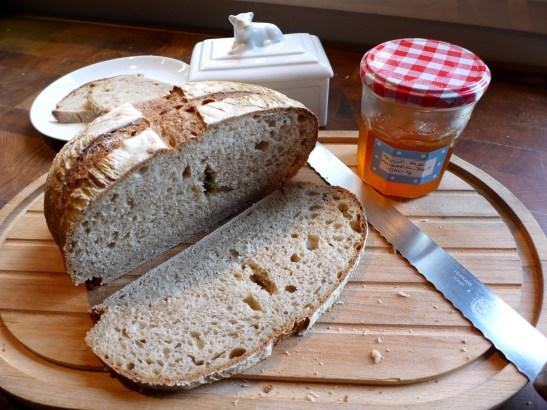 Image of Hackney Wild sourdough loaf, sliced