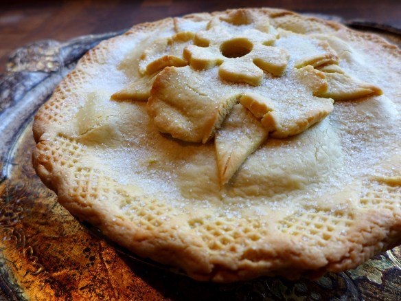 Image of apple and quince pie