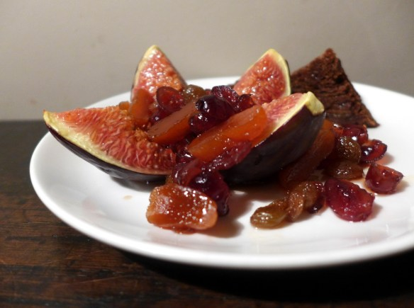 Image of grilled figs with boozy fruits