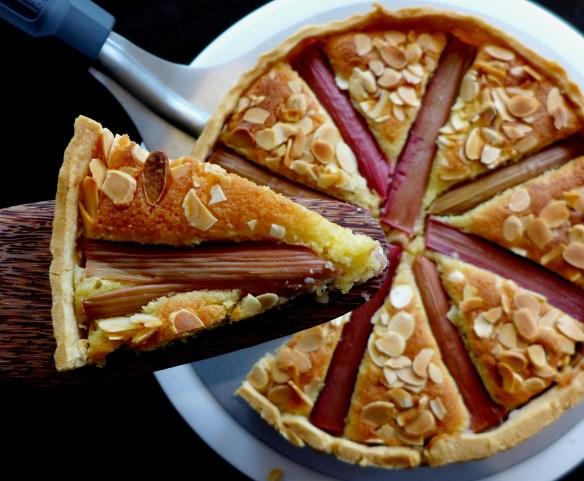 Image of rhubarb bakewell tart