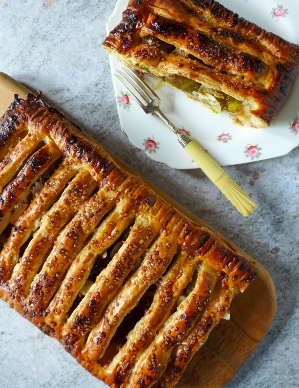Image of greengage and almond jalousie