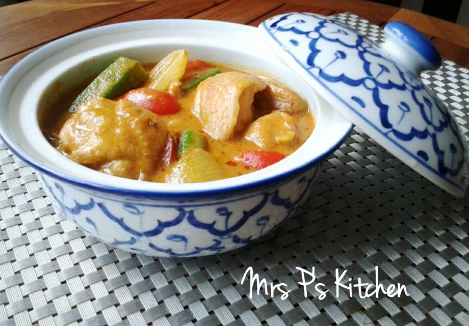 泰式黃咖哩雞Thai Yellow Curry Chicken | Mrs P's Kitchen
