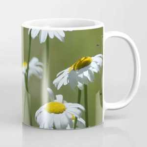 Cascade Daisy Flowers Blooming Coffee Mug