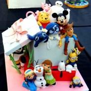disney-character-cake