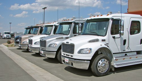 small resolution of freightliner s fl series have been popular hauler trucks for big trailers in the past now with the freightliner m2 business class truck it s a whole new