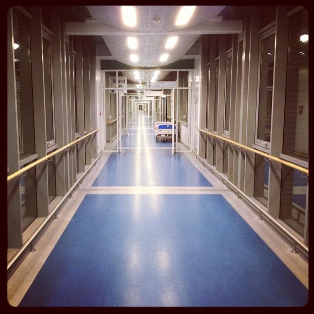 20120312 Never ending hospital corridor