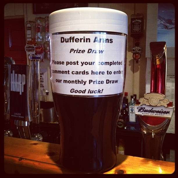 20120526 Dufferin Arms prize draw