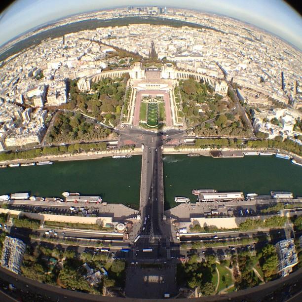 20120920 Eiffel shadows