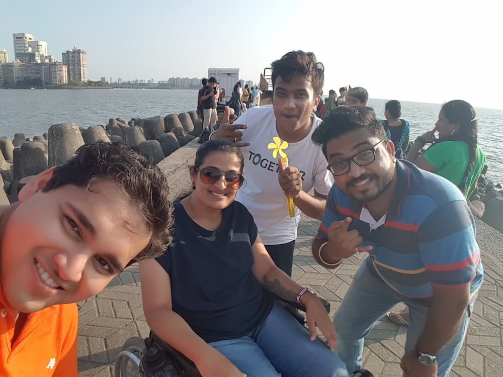 Mumbai sea face darshan with cousins @ Nariman Point