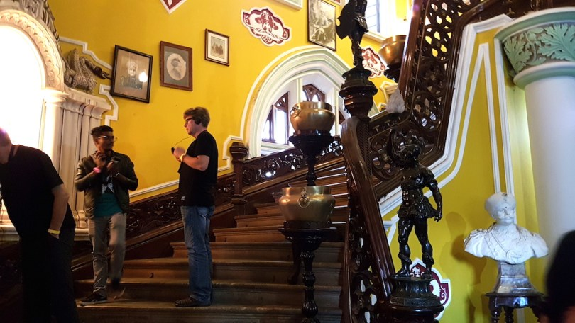 Steps leading to the first floor of Bangalore Palace.jpeg