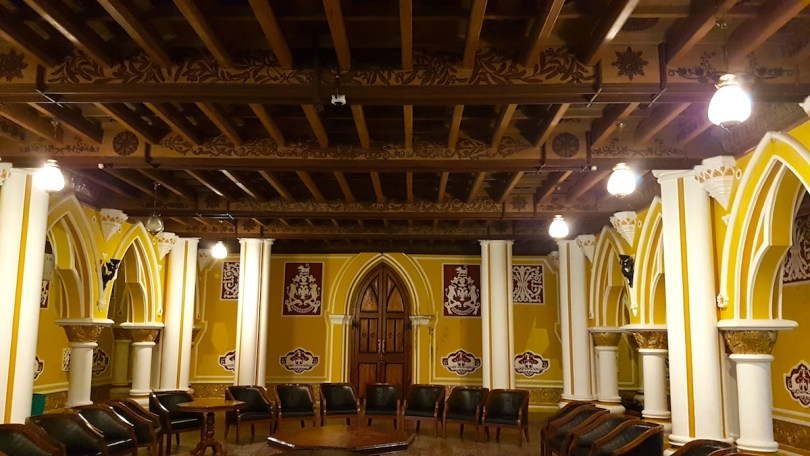 The ballroom at Bangalore Palace.jpeg