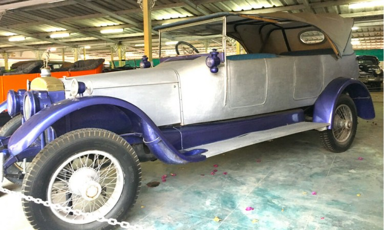 Daimler, a 1911 model from England