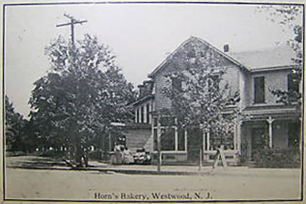 Horn's Bakery - Early 1900's.