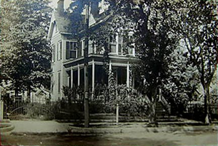 Mannion House, Center Avenue - 1911.