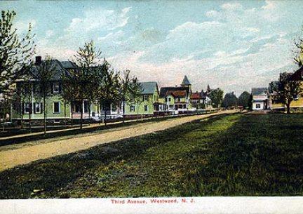 Third Ave. - 1911.