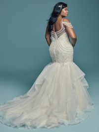 Flattering Wedding Dresses for Curvy Brides - Love Maggie ...
