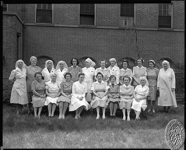 Union Memorial Hospital - volunteer nurses. Hughes Studio Photograph Collection, PP 30, Box 10, Folder 65. Maryland Historical Society