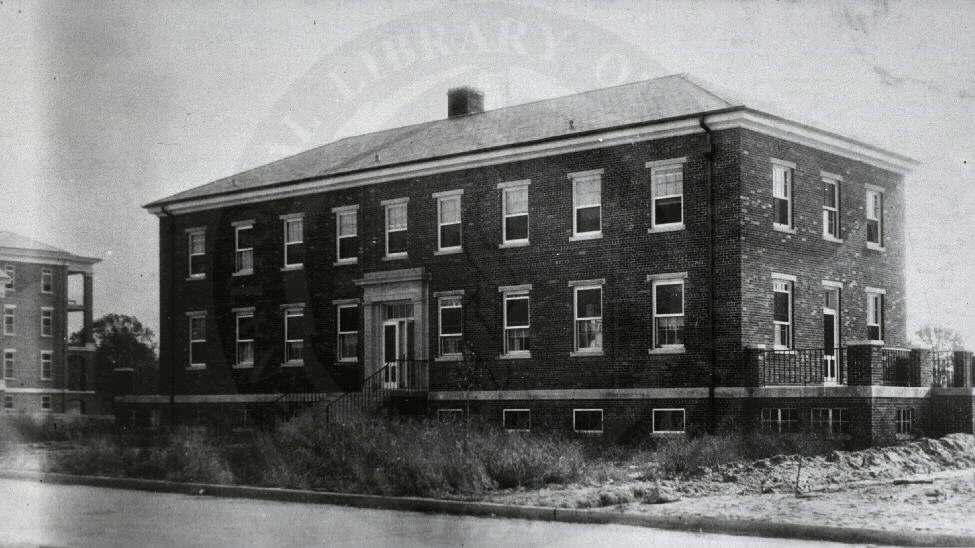 U.S. Army Hospital, Fort George G. Meade, Maryland. : Nurses' quarters. A08895. Images from the History of Medicine Collection. National Library of Medicine