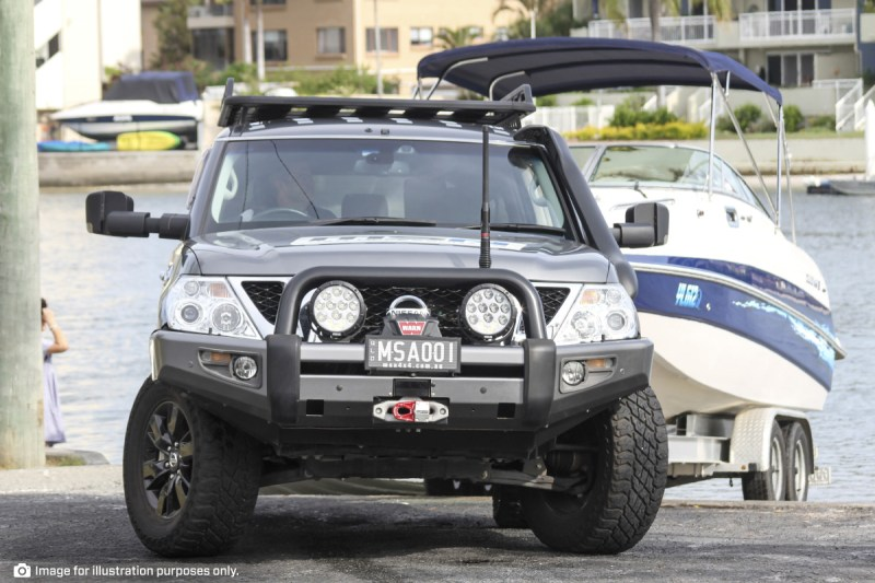 Reversing Boat into Water with MSA 4X4 Towing Mirrors
