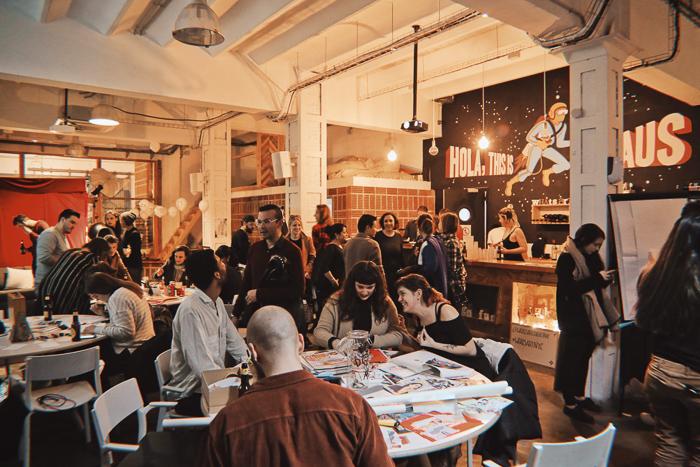 workshops-barcelona-whats-art-collective-fiesta-letras047