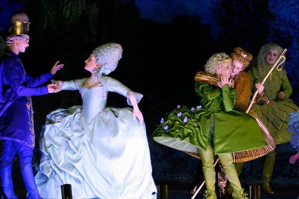 13 мая. Премьера оперы Вольфганга Амадея Моцарта «Аполлон и Гиацинт».