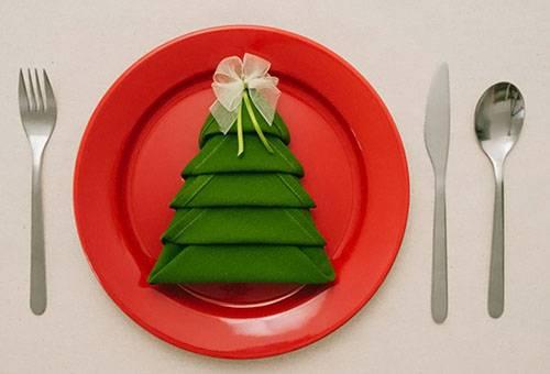 как украсить праздничный стол своими руками салфетками